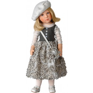 Faye, classic doll star