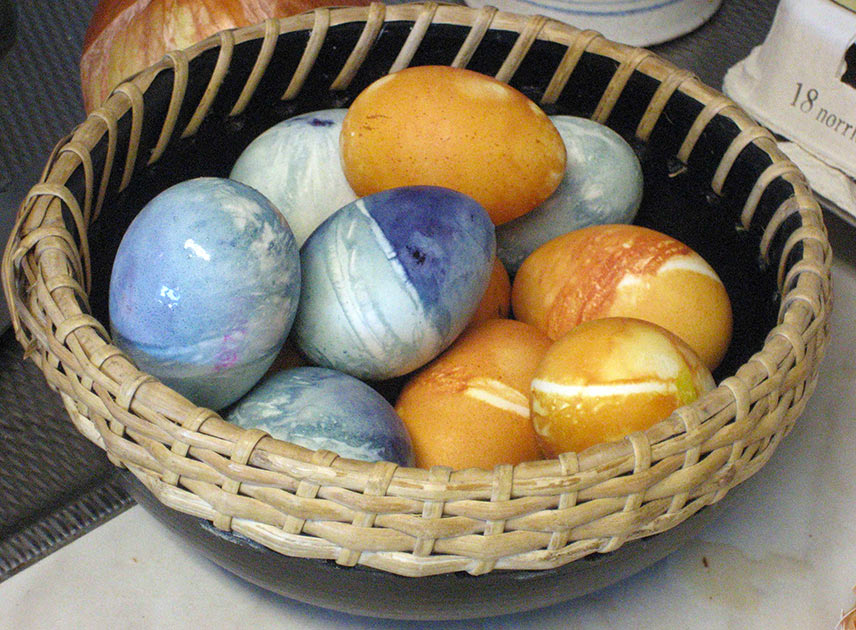 Eggs dyed with onion skins and blueberries