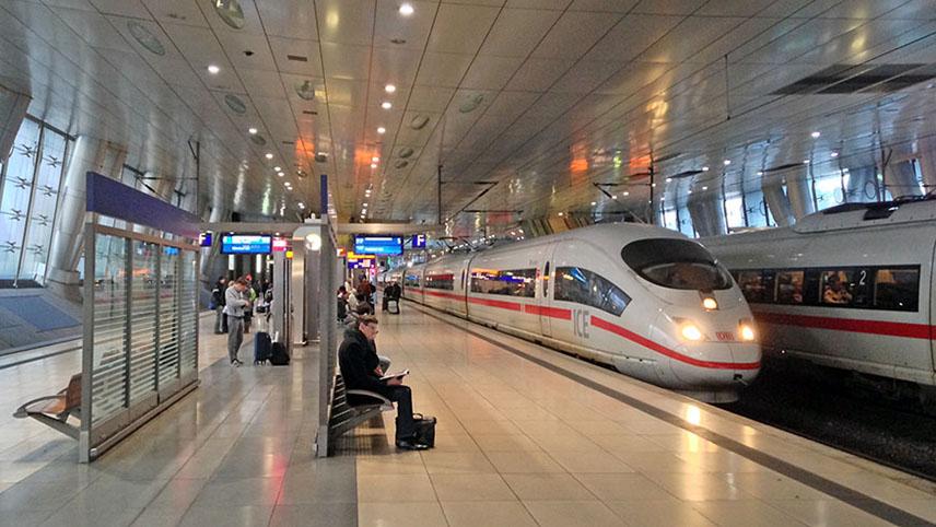 Platform for DB ICE train to Nuremberg at Frankfurt Fernbahnhof