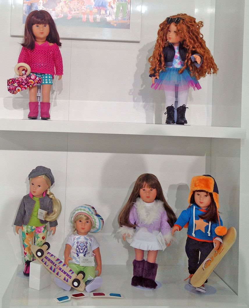 "The new doll series ""Cool Girls"""