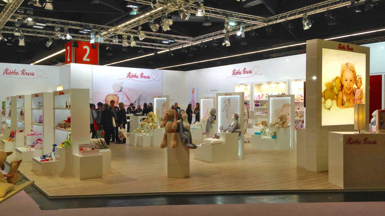 An overview of the Kãthe Kruse booth